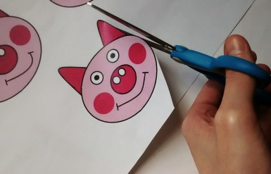 Cutting Out Pigs